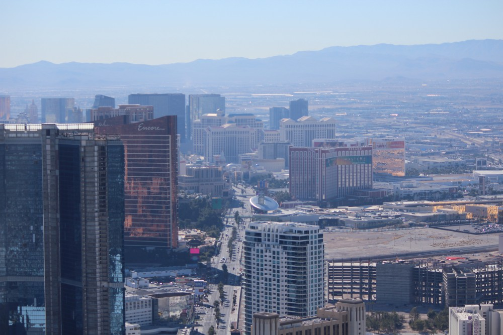 view_from_stratosphere_tower
